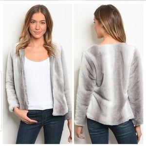 Jackets & Blazers - 💙2 left💙Super Soft Faux Fur Jacket💙